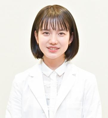 弘中 アナ 年齢